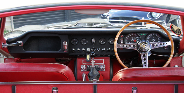 1967 E-Type Series 1 4.2 Coupe Dashboard