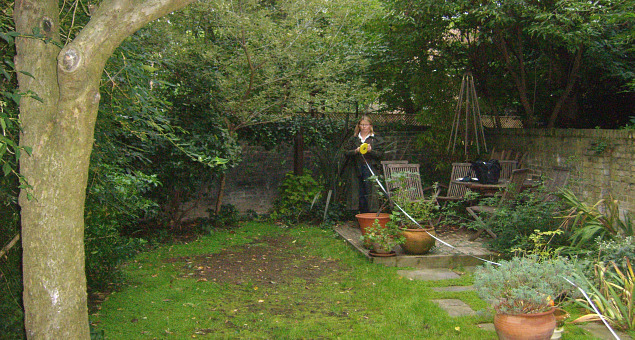 The owners have young children but little use could be made of the garden as it was, with its small impractical patio area, even smaller deck and patch of very worn lawn, due to the poor drainage in the garden.