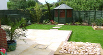 New build garden with summerhouse