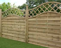 picture of fence with trellis