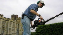 picture of gardener at Penshurst Place