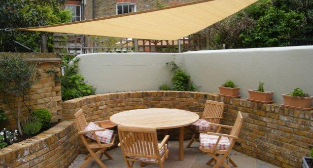 Patio garden with Shade Sail