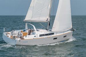 Oceanis 37 for yacht charter
