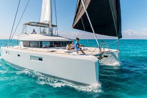 Lagoon 520 yacht for charter