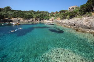 Visit the Tuscan islands on a yacht charter